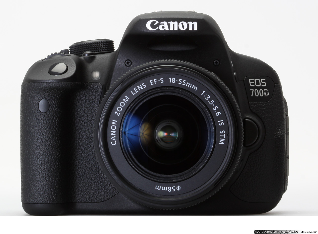 Canon EOS 700D 18-55 IS STM + SD 16 GB